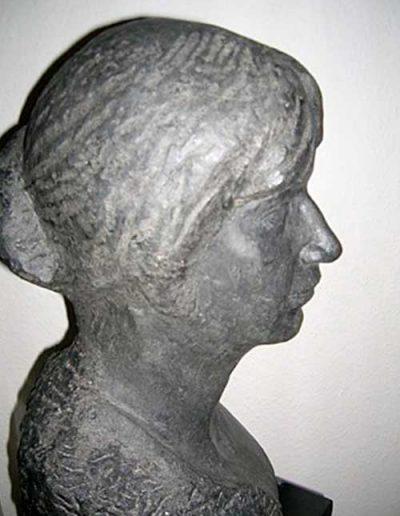Porträt-Granit--lebensgroß